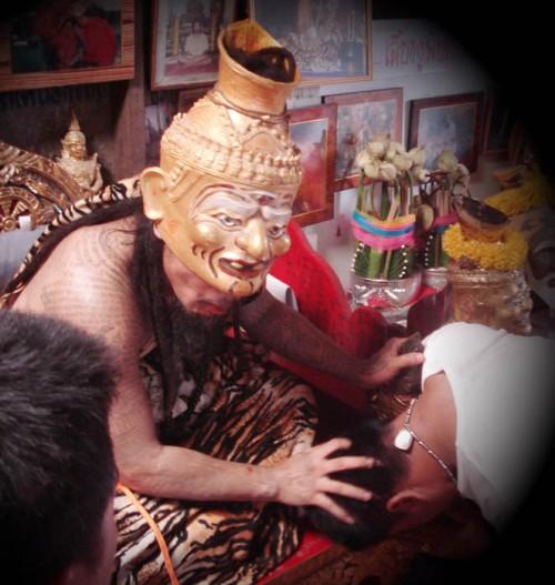 Ajarn Thoy Dabos dons the Persona of Por Gae Lersi Ta Fai